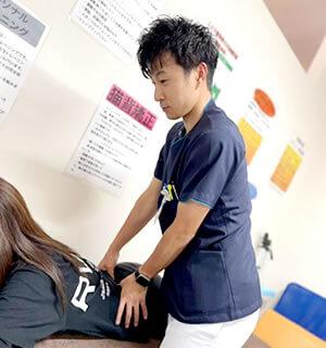 腰の痛みの施術